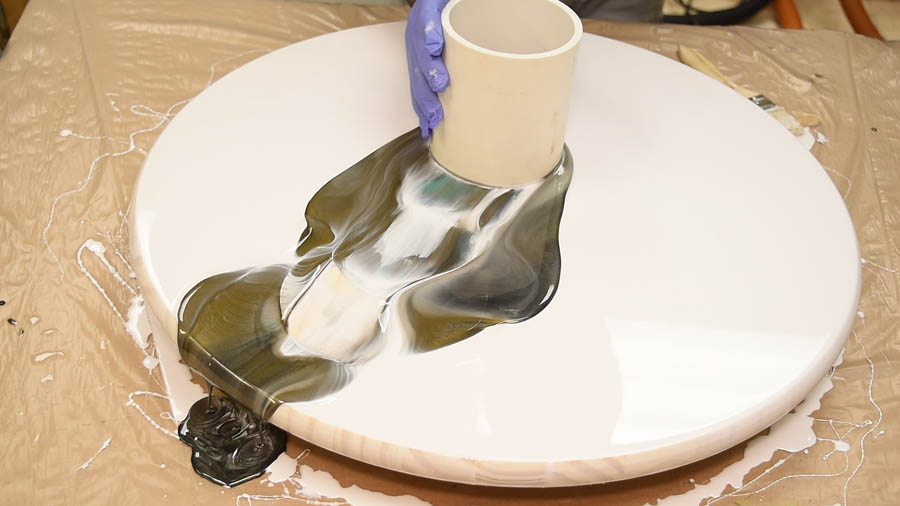 MIXING EPOXY RESIN TABLE PAINT