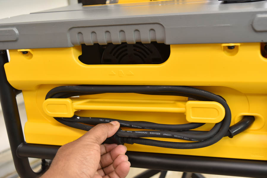 Dewalt 15-Amp Corded 10 in. Compact Job Site Table Saw