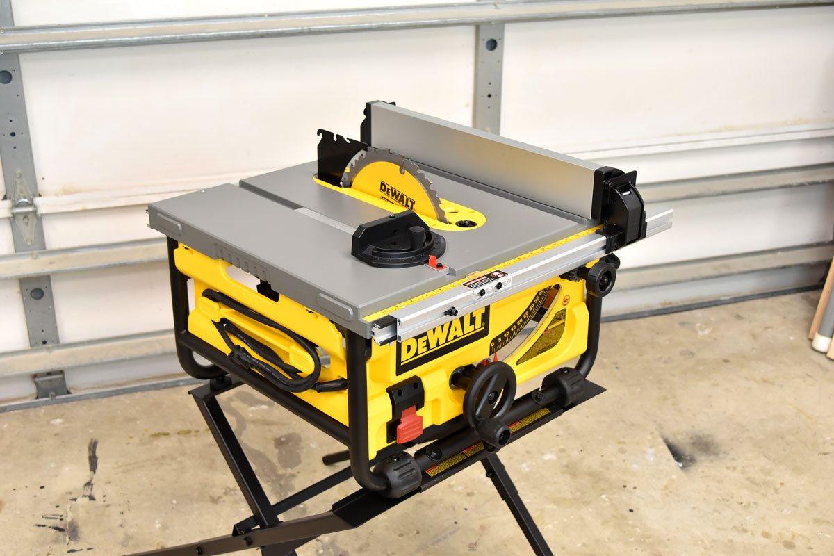 Dewalt 15 Amp Corded 10 In Compact Job Site Table Saw Diy