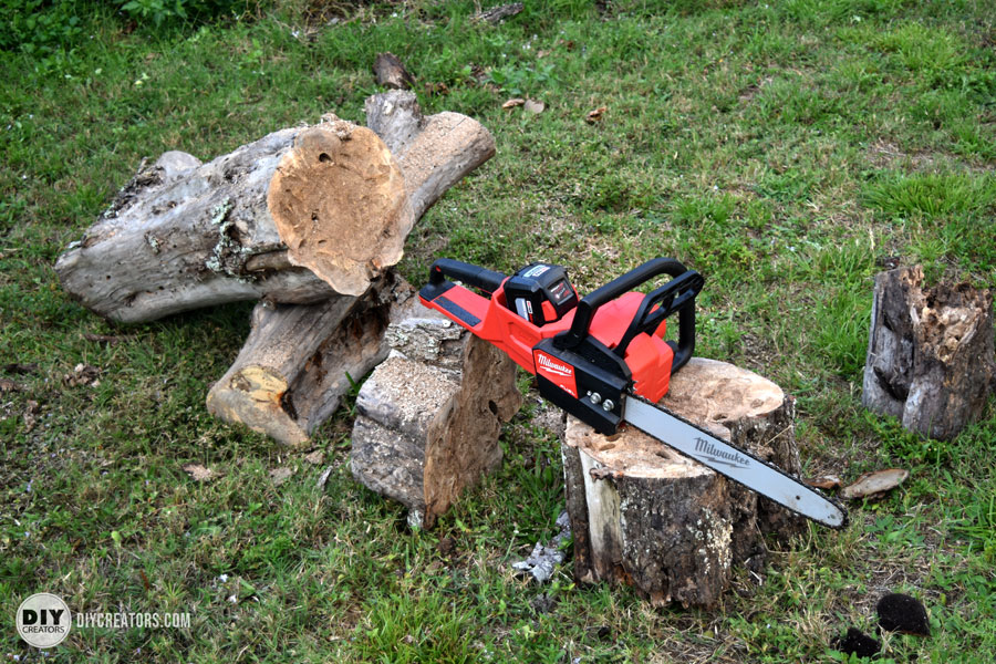 M18 FUEL Cordless Chainsaw